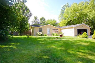 Walworth County Single Family Home For Sale: N1263 Pine Rd