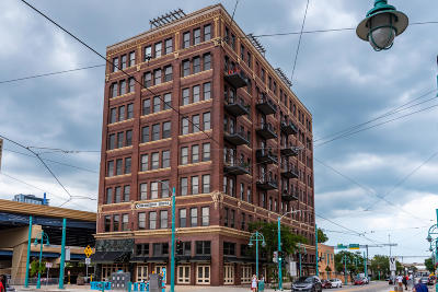 Milwaukee County Condo/Townhouse For Sale: 400 N Broadway #502