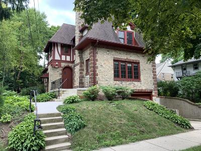 Milwaukee County Single Family Home For Sale: 2119 E Edgewood Ave
