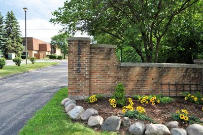 Waukesha County Condo/Townhouse For Sale: 12765 W Hampton Ave #202