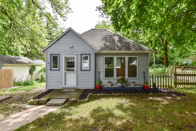 Racine County Single Family Home For Sale: 30119 Moccasin Dr