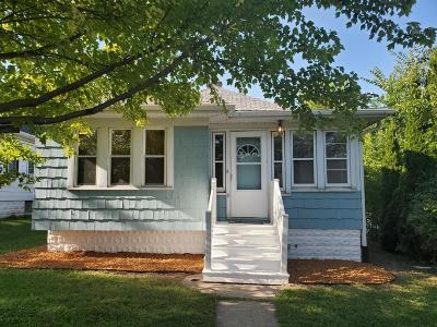 Milwaukee Single Family Home For Sale: 9018 W Lincoln Ave
