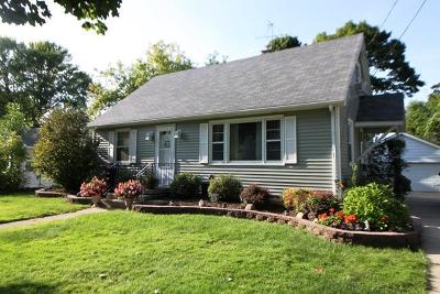 Walworth County Single Family Home For Sale: 1034 W Highland Ave