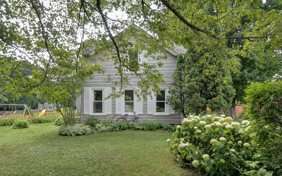 Racine County Single Family Home For Sale: 5421 Taylor Ave