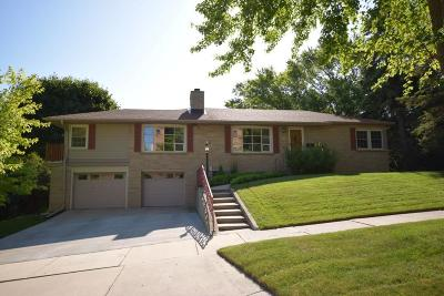 West Bend Single Family Home For Sale: 535 Ridge Rd