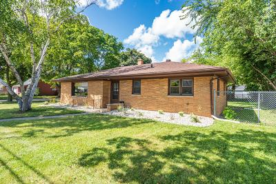 Racine County Single Family Home For Sale: 3220 Twentyfirst St