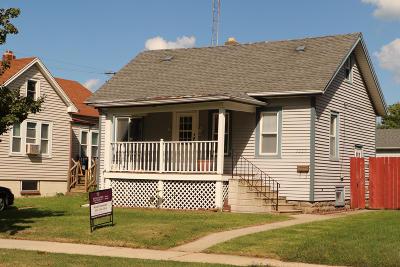 Kenosha Single Family Home For Sale: 5223 32nd Ave