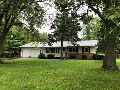 Walworth Single Family Home For Sale: 124 Fairview Ln