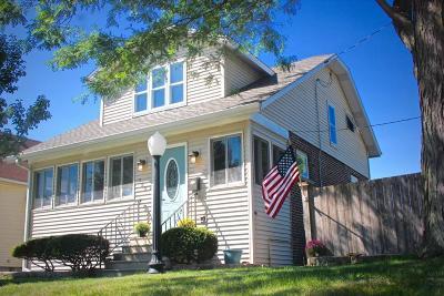 Kenosha Single Family Home For Sale: 722 75th St