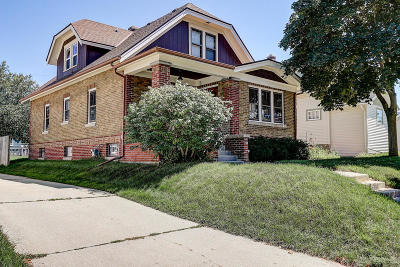 West Bend Single Family Home For Sale: 641 S 3rd Ave