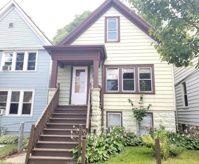 Milwaukee, Waukesha, Wauwatosa, Menomonee Falls, New Berlin, Butler, Pewaukee, Glendale, Bayside, Shorewood, Oak Creek, Greendale, Hales Corners, Elm Grove Single Family Home For Sale: 2129 W Maple St #2131
