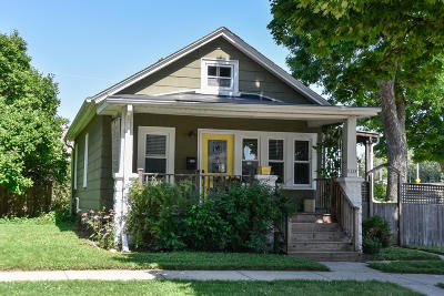 Milwaukee WI Single Family Home For Sale: $185,000