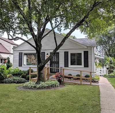 Milwaukee, Waukesha, Wauwatosa, Menomonee Falls, New Berlin, Butler, Pewaukee, Glendale, Bayside, Shorewood, Oak Creek, Greendale, Hales Corners, Elm Grove Single Family Home For Sale: 3828 S 52nd St