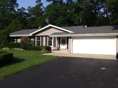 Mukwonago Single Family Home Active Contingent With Offer: W315s7565 Lakecrest Dr