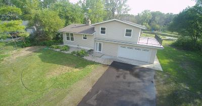 Racine County Single Family Home For Sale: 27101 Waubeesee Lake Dr