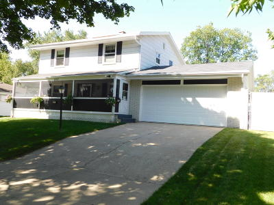 Milwaukee WI Single Family Home For Sale: $181,000
