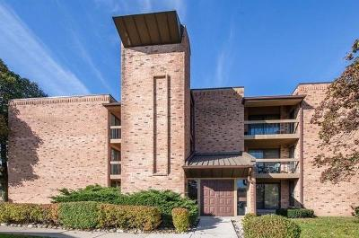 Milwaukee, Waukesha, Wauwatosa, Menomonee Falls, New Berlin, Butler, Pewaukee, Glendale, Bayside, Shorewood, Oak Creek, Greendale, Hales Corners, Elm Grove Condo/Townhouse For Sale: 8735 N 72nd #206