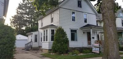 Kenosha Single Family Home For Sale: 6032 3rd Ave