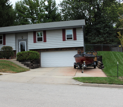 Waukesha Single Family Home For Sale: 2304 Norwood Dr