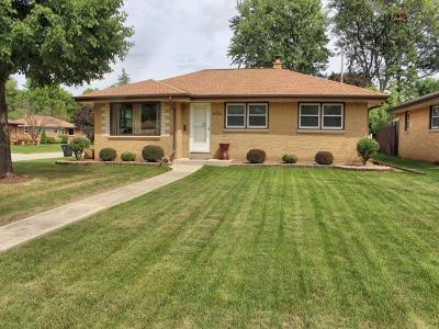 Greenfield Single Family Home Active Contingent With Offer: 4404 S 65th St