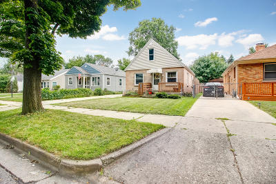 West Allis Single Family Home For Sale: 9327 W Mitchell St