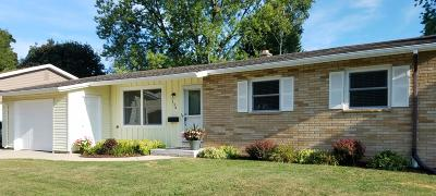 Ozaukee County Single Family Home For Sale: 138 James Dr.