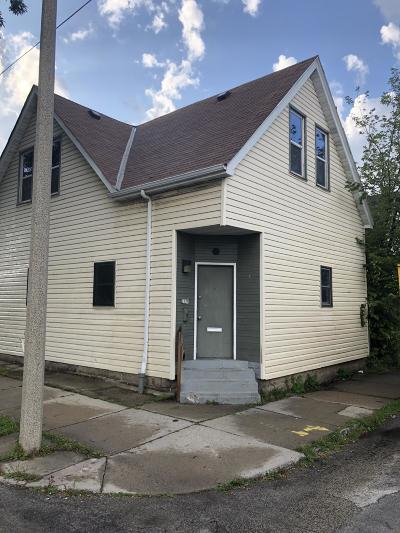 Milwaukee Single Family Home For Sale: 2179 S 5th Place