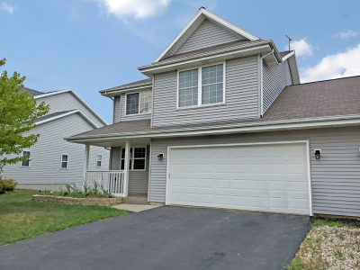 West Bend Condo/Townhouse For Sale: 1111 Moore Ave