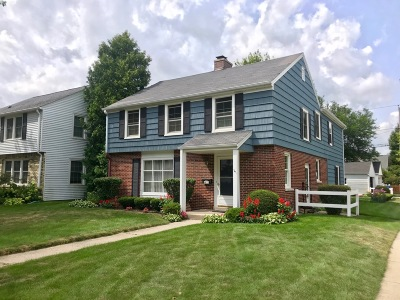 Milwaukee County Single Family Home Active Contingent With Offer: 4875 N Diversey Blvd