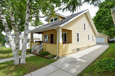Waukesha Single Family Home For Sale: 235 S Charles St