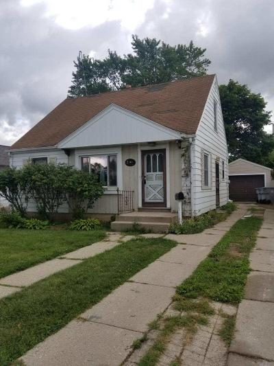 Milwaukee Single Family Home For Sale: 2744 S 71st St