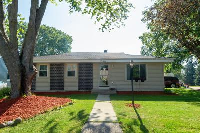 Racine County Single Family Home For Sale: 3421 Monarch #Dr