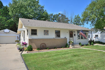 West Allis Single Family Home For Sale: 2963 S 103rd St