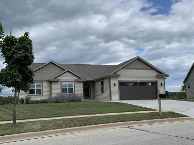 West Bend Single Family Home Active Contingent With Offer: 1508 Whitewater Dr