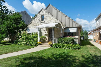 Milwaukee Single Family Home For Sale: 3569 S 14th Street
