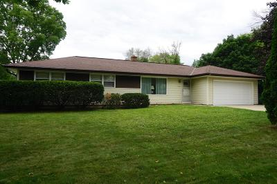 Wauwatosa WI Single Family Home For Sale: $229,900