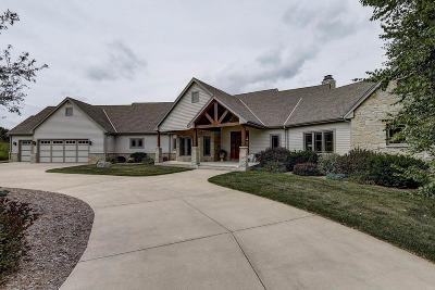 Ozaukee County Single Family Home For Sale: 10788 Cedar Creek Rd