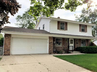 Milwaukee Single Family Home For Sale: 8711 W Hustis St