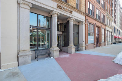 Milwaukee Condo/Townhouse For Sale: 234 N Broadway #118