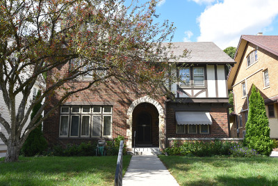 Milwaukee County Single Family Home Active Contingent With Offer: 2428 E Beverly Rd