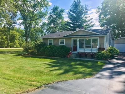Racine County Single Family Home For Sale: 7014 Lone Elm Dr