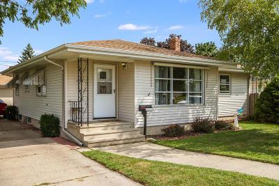 Kenosha Single Family Home For Sale: 1908 80th St