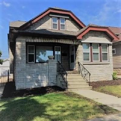 West Milwaukee WI Single Family Home For Sale: $154,900