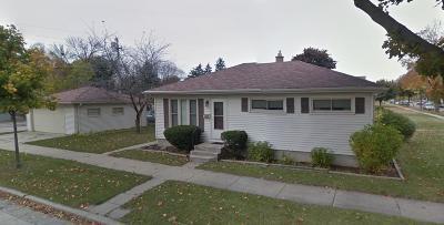Milwaukee WI Single Family Home For Sale: $132,000