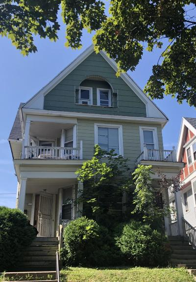 Milwaukee WI Multi Family Home For Sale: $90,000