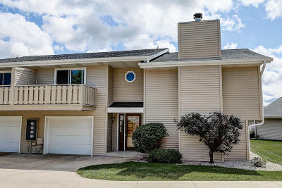 Oak Creek Condo/Townhouse Active Contingent With Offer: 2440 W Crabapple Ln #4