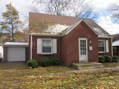 Greendale Single Family Home For Sale: 6016 Clover Ln