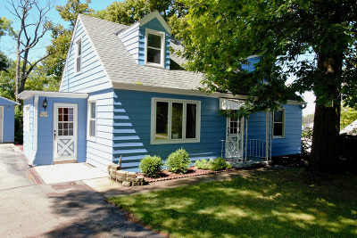 Muskego Single Family Home For Sale: W172s7633 Lannon Dr