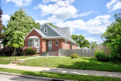 Milwaukee Single Family Home For Sale: 3426 S Clement Ave