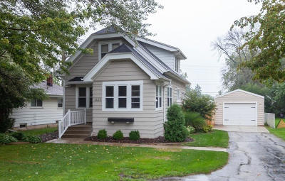 New Berlin Single Family Home For Sale: 1622 S Sunny Slope Rd